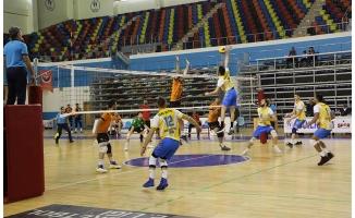 Haliliye Voleybol Takımı, Malatya'yı 3-0 mağlup etti