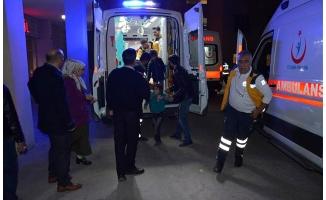 Siverek'te otomobil devrildi: 8 yaralı
