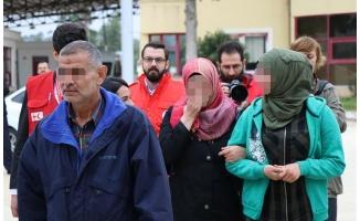 Suriyeli kız ile ailesinin ağlatan kavuşması