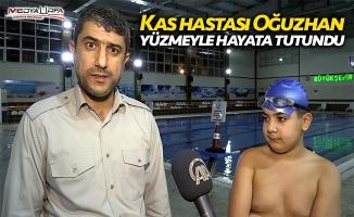 Kas hastası Oğuzhan yüzmeyle hayata tutundu