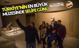 """Urfa Müzesinde ''Selfie Günü"""""""