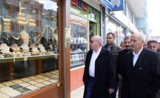 Ak Aday Mahmut Mirkelam, Esnaf Ziyaretinde