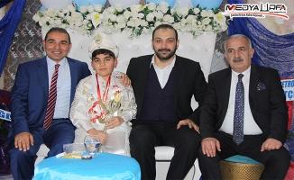 Mustafa Zahit oğlunu sünnet ettirdi!