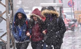 Doğu'da dört il için kar ve fırtına uyarısı