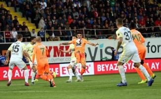 Alanyaspor Fenerbahçe'yi tek golle geçti