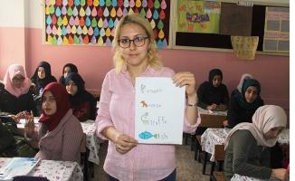 Suruçlu Çocuklar İngilizceyi Eğlenerek Öğreniyor