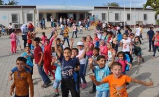 """""""650 bin Suriyeli çocuk Türk okullarında okuyor"""""""