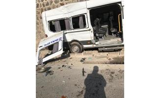 Gaziantep'te işçi servisi devrildi: 10 yaralı
