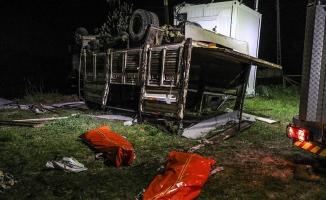 Van'da kamyon devrildi: 5 ölü, 37 yaralı