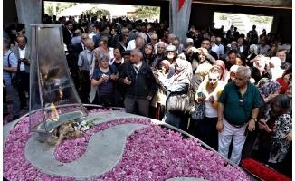9. Cumhurbaşkanı Demirel mezarı başında anıldı