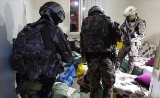 Bursa'da uyuşturucu satıcılarına şafak operasyonu