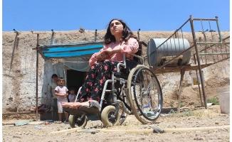 Suriyeli Zerife yürüyeceği günün hayalini kuruyor