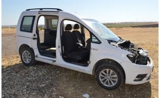 Çalınan hafif ticari araç kapıları sökülmüş halde bulundu