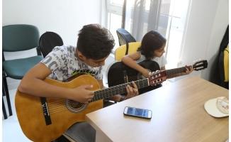 Haliliye'de gençler müzik ile tanışıyor
