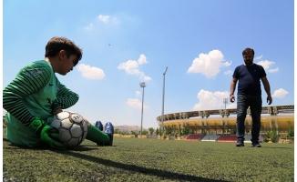 Şanlıurfalı Genç Engelleri Futbol İle Aşmak İstiyor