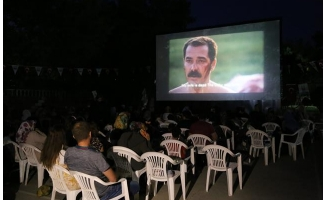 """Sıcak havalarda """"nostaljik"""" sinemayla stres atıyorlar"""