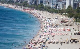 Antalya tüm yılların turizm rekorunu kırdı