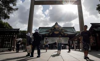 35 derece sıcak Japonları hastanelik etti!
