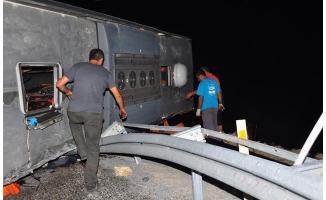 Antalya'da otobüs devrildi: 1 ölü 28 yaralı