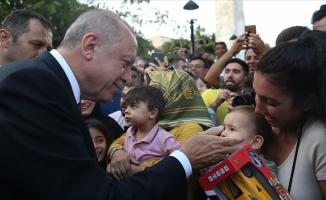 Erdoğan Sultanahmet'te vatandaşlarla buluştu