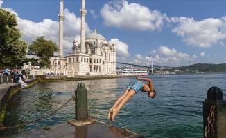 İstanbul'da kalanlar 'bayram etti'
