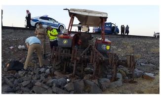 Siverek'te devrilen traktörün sürücüsü öldü