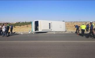 Malatya'da yolcu midibüsü devrildi: 26 yaralı