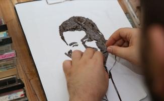 Kaset bantlarıyla sanatçıların portresini yapıyor