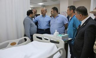 Bakan Soylu yaralı vatandaşları ziyaret etti