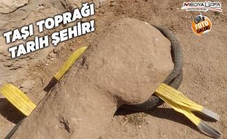 Karahantepe'de insan ve hayvan heykelleri bulundu