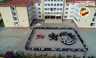 Öğrencilerden Barış Pınarı'na koreografili destek