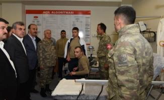 Başkan Beyazgül, Yaralı Askerleri Ziyaret Etti