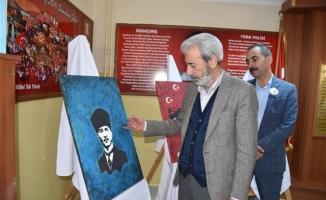 Siverek'te öğrencilerin Atatürk sevgisi tuvallere yansıdı