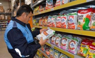 Siverek'te zabıta ekipleri marketleri denetledi
