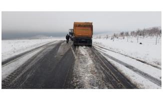 Viranşehir'de kar temizleme çalışmaları sürüyor