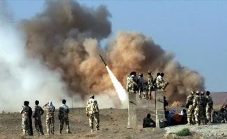 İran, ABD'nin üssünü füzelerle vurdu