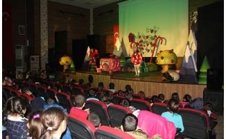 Büyükşehir çocukları tiyatro ile buluşturuyor