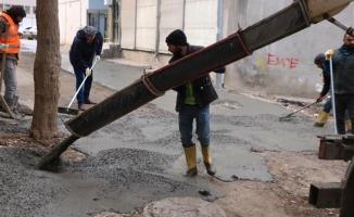 Siverek'te beton yol çalışması