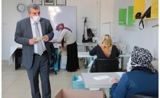 Büyükşehir günde 60 bin maske üretiyor