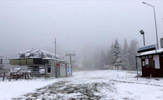 Ilgaz Dağı Mayısta beyaza büründü