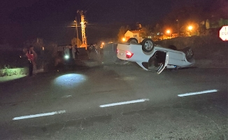 Viranşehir'de otomobil devrildi: 3 yaralı