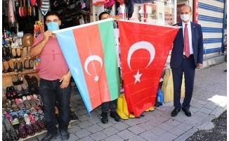 Akçakale'den Azerbaycan'a bayraklı destek