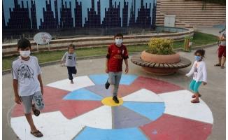Çocuklar parklarda artık daha çok eğlenecek