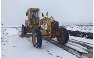 Büyükşehir, 120 araç 220 personelle karla mücadele ediyor