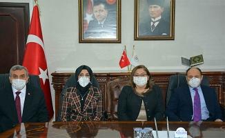Fatma Şahin, Başkan Çakmak'ı ziyaret etti