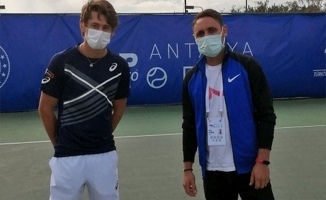 Köylülere tenisi sevdiren öğretmen Antalya'da misafir edildi