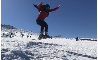 Karacadağ sezonun son kayakçılarını ağırlıyor