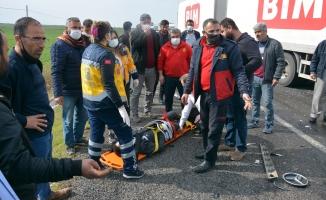 Kontrolden çıkan otomobil iki araca çarptı: 1 ölü, 1 yaralı