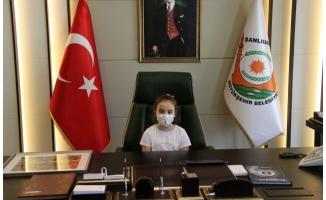 Lara, Belediye Başkanlığı Koltuğuna Oturdu