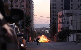 İsrail hava saldırılarına yeniden başladı